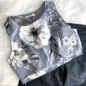 Xiano Ling Miao Tops - Xiang Long Miao • Floral Crop Top